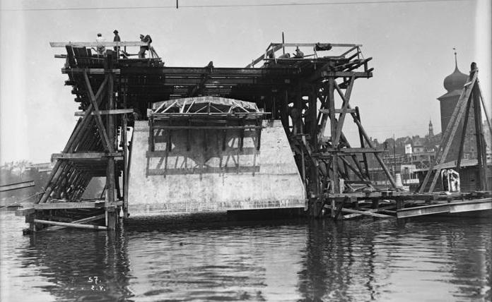 2,Stavba Jiráskova mostu, 2. 5. 1929