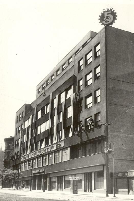 Budowla Czeskiego Radia w 1949 roku.