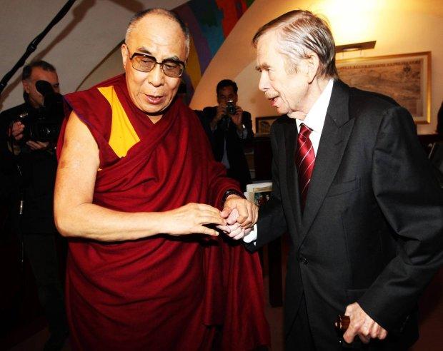 Vaclav Havel i Dalajlama podczas spotkania w Pradze 2011