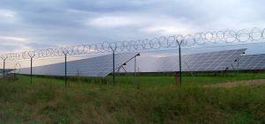 1280px-Fotovoltaická_elektrárna_Vepřek_(02)